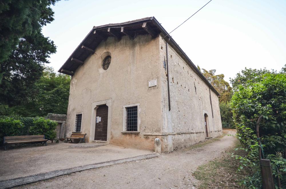 07p---San-Felice,-chiesa-di-San-Fermo,-facciata.