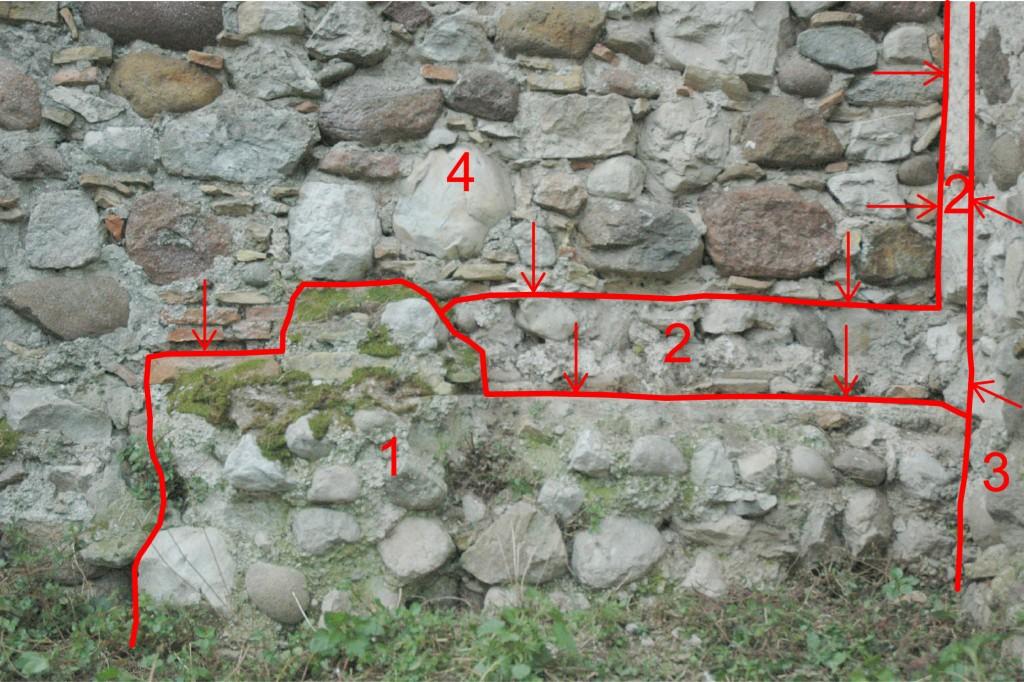 03r--Rivoltella,-chiesa-di-San-Zeno,-stratigrafia-nel-lato-nord-dell'abside-(da-collegare-al-box).