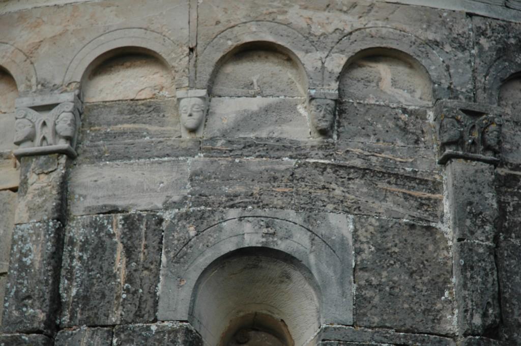 05f--Lonato,-pieve-di-San-Zeno,-particolare-dell'abside.