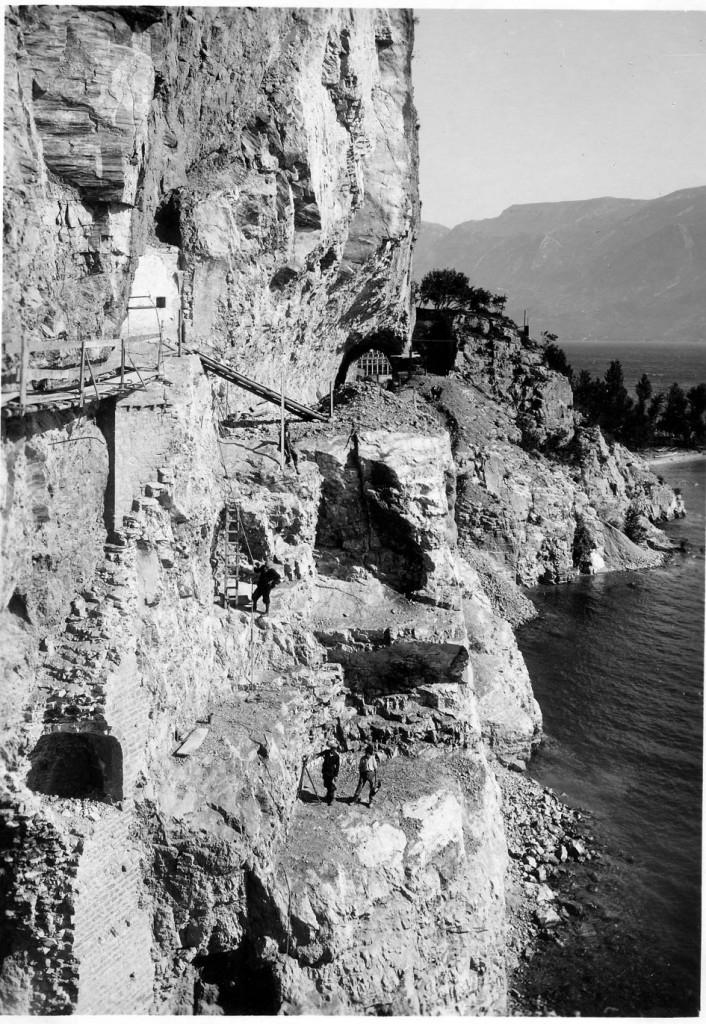 16p---Tignale,-San-Giorgio-in-Varolo,-durante-la-ricostruzione-della-strada-gardesana-occidentale.