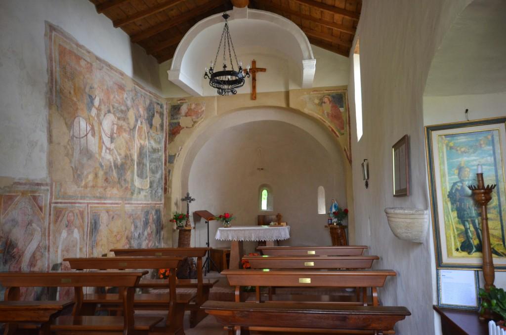 07i--Manerba,-chiesa-di-San-Giorgio,-interno.