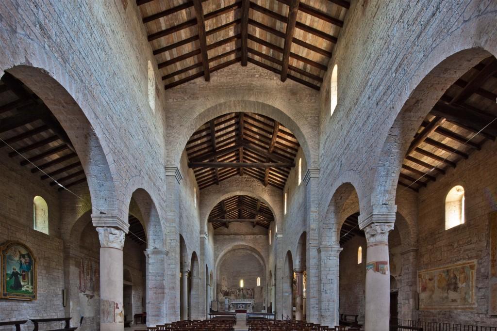 08d---Montichiari,-pieve-di-San-Pancrazio,-interno.