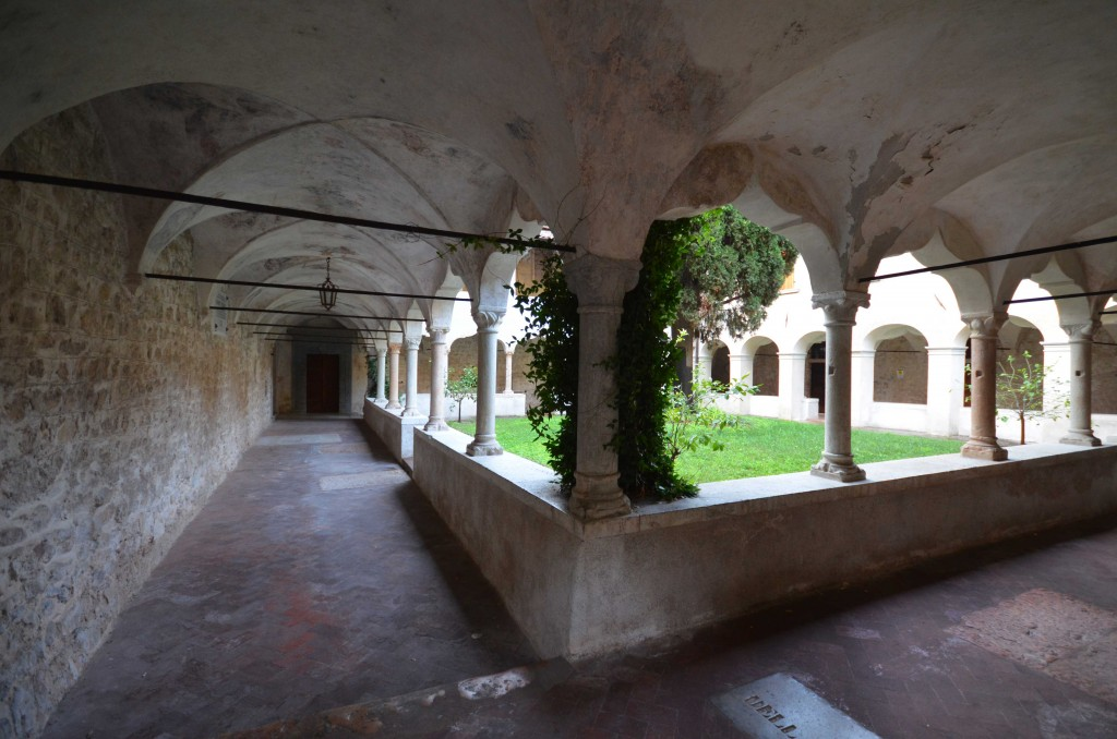 14c---Gargnano,-monastero-di-San-Francesco,-il-chiostro.